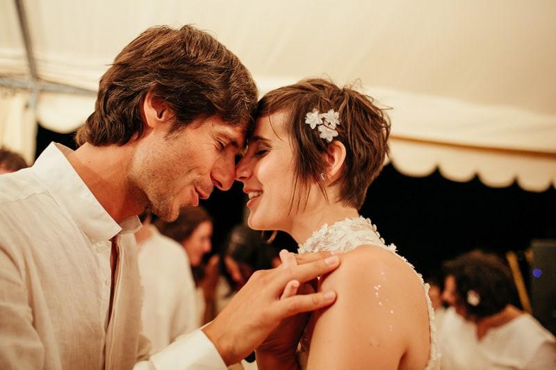 emotive wedding photographer
