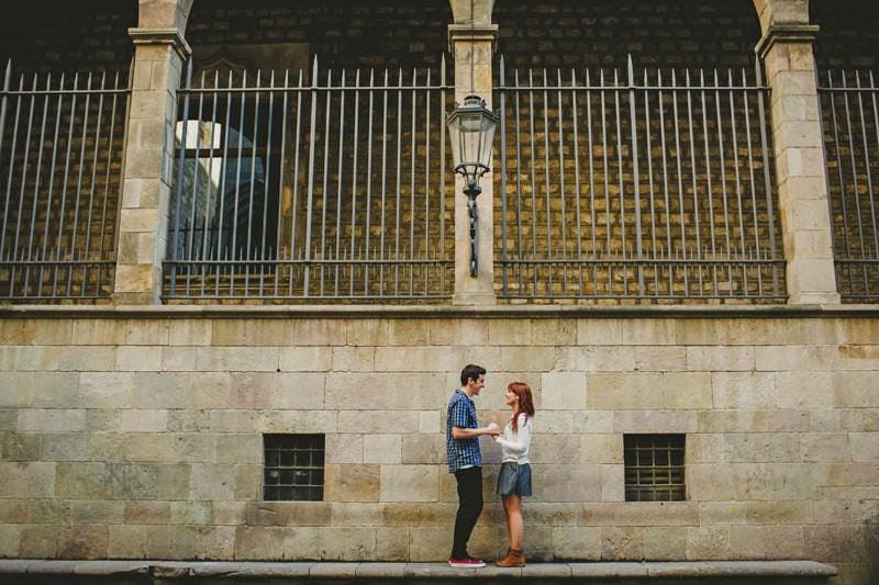 fotos pareja barrio gotico